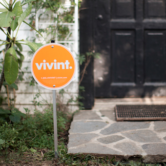 Does Directv Have Internet Service >> Vivint Home Security Review 2019: Does Vivint Have the Best Tech?