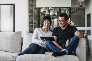 Couple watching movie online using internet bundle